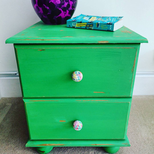antibes-green-bedside-table